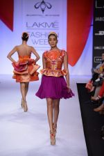 Model walk for Swapnil Shinde Show at LFW 2014 Day 3 in Grand Hyatt, Mumbai on 14th March 2014 (10)_5322e3a9f365f.JPG
