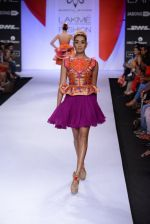 Model walk for Swapnil Shinde Show at LFW 2014 Day 3 in Grand Hyatt, Mumbai on 14th March 2014 (12)_5322e3aac78ae.JPG