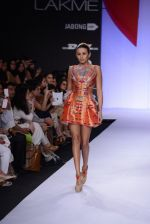 Model walk for Swapnil Shinde Show at LFW 2014 Day 3 in Grand Hyatt, Mumbai on 14th March 2014 (16)_5322e3ac547d9.JPG