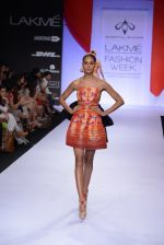 Model walk for Swapnil Shinde Show at LFW 2014 Day 3 in Grand Hyatt, Mumbai on 14th March 2014 (24)_5322e3af7c01c.JPG