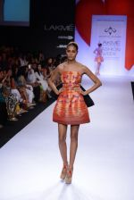 Model walk for Swapnil Shinde Show at LFW 2014 Day 3 in Grand Hyatt, Mumbai on 14th March 2014 (25)_5322e3aff222b.JPG
