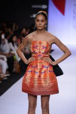 Model walk for Swapnil Shinde Show at LFW 2014 Day 3 in Grand Hyatt, Mumbai on 14th March 2014 (26)_5322e3b063e39.JPG