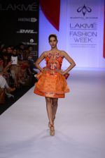 Model walk for Swapnil Shinde Show at LFW 2014 Day 3 in Grand Hyatt, Mumbai on 14th March 2014 (3)_5322e3a7234cb.JPG