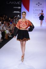 Model walk for Swapnil Shinde Show at LFW 2014 Day 3 in Grand Hyatt, Mumbai on 14th March 2014 (31)_5322e3b2636a3.JPG