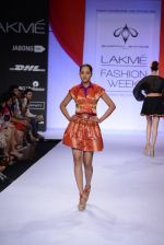 Model walk for Swapnil Shinde Show at LFW 2014 Day 3 in Grand Hyatt, Mumbai on 14th March 2014 (36)_5322e3b47403f.JPG