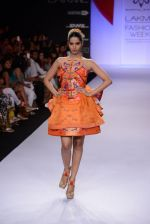 Model walk for Swapnil Shinde Show at LFW 2014 Day 3 in Grand Hyatt, Mumbai on 14th March 2014 (4)_5322e3a77af02.JPG