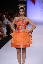 Model walk for Swapnil Shinde Show at LFW 2014 Day 3 in Grand Hyatt, Mumbai on 14th March 2014 (7)_5322e3a8a10ef.JPG