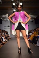 Model walk for Urvashi Joneja Show at LFW 2014 Day 2 in Grand Hyatt, Mumbai on 13th March 2014 (42)_53229b7fc39ef.JPG