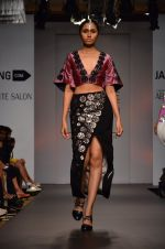 Model walk for Urvashi Joneja Show at LFW 2014 Day 2 in Grand Hyatt, Mumbai on 13th March 2014 (45)_53229b81363aa.JPG