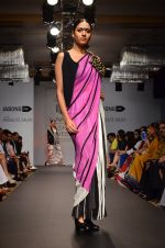 Model walk for Urvashi Joneja Show at LFW 2014 Day 2 in Grand Hyatt, Mumbai on 13th March 2014 (52)_53229b847a5de.JPG