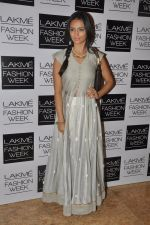 Roshni Chopra at Love From India Show at LFW 2014 Day 2 in Grand Hyatt, Mumbai on 13th March 2014 (67)_5322691def8db.JPG