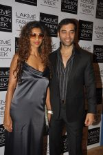 Sandhya Shetty at Love From India Show at LFW 2014 Day 2 in Grand Hyatt, Mumbai on 13th March 2014 (63)_5322695303fd0.JPG