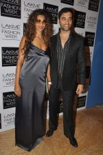 Sandhya Shetty at Love From India Show at LFW 2014 Day 2 in Grand Hyatt, Mumbai on 13th March 2014 (66)_5322693892da4.JPG