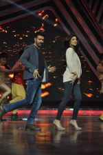 Shilpa Shetty, Harman Baweja at Dishkiyaaon promotions on Boogie Woogie in Mumbai on 13th March 2014 (2)_53226a06518bd.JPG
