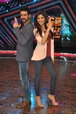 Shilpa Shetty, Harman Baweja at Dishkiyaaon promotions on Boogie Woogie in Mumbai on 13th March 2014 (23)_53226a42d280c.JPG