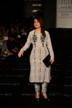 Tisca Chopra on Day 2 at LFW 2014 in Grand Hyatt, Mumbai on 13th March 2014 (41)_5322a2153fdd9.JPG