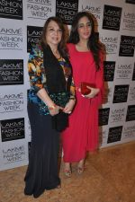 Farah Ali Khan, Zarine Khan on Day 4 at LFW 2014 in Grand Hyatt, Mumbai on 15th March 2014 (289)_53265c378d90c.JPG