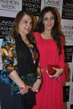 Farah Ali Khan, Zarine Khan on Day 4 at LFW 2014 in Grand Hyatt, Mumbai on 15th March 2014 (295)_53265c3893fee.JPG