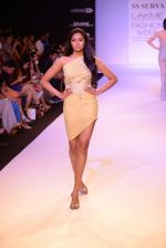 Model walk for SS Surya Show at LFW 2014 Day 5 in Grand Hyatt, Mumbai on 16th March 2014 (77)_5326d0a3cd816.JPG
