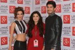 Mohit Marwah, Kiara Advani on Day 5 at LFW 2014 in Grand Hyatt, Mumbai on 16th March 2014 (266)_5326eb9fbdf8d.JPG