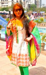 Misti Mukherji at Rasleela Holi 2014 by Mack & Neon 88 in Mumbai on 17th March 2014 (4)_53282ef94e6db.JPG