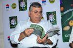 Ashok Hinduja at the launch of chef Vicky Ratnani_s book in Nido, Mumbai on 20th March 2014 (37)_532c2a5170bcc.JPG