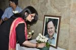 Sarika at Club 60 screening on occasion of 100 days and tribute to Farooque Shaikh in Lightbox, Mumbai on 23rd March 2014 (90)_53301b89e27b2.JPG