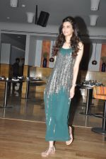 Diana Penty launches Femina Saloon and Spa_s latest issue in Andheri, Mumbai on 25th March 2014 (92)_5332bd64a824f.JPG