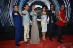 Ravi Behl, Varun Dhawan, Nargis Fakhri, Ileana DCruz, Javed Jaaferi, Naved on the sets of Boogie Woggie grand finale in Malad, Mumbai on 25th March 2014  (112)_5332c3102297e.JPG