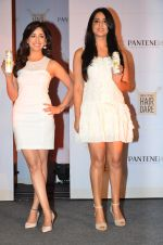 Yami Gautam, Mahi Gill at Pantene product launch event in Mumbai on 26th March 2014 (6)_53341a3874c07.JPG