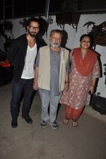 Shahid Kapoor, Pankaj Kapoor, Supriya Pathak at the screening of the film Inam in Mumbai on 26th March 2014 (80)_53355c2668cd0.JPG