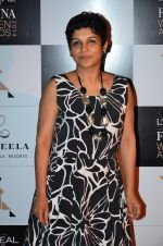 at Loreal Paris Women Awards in Mumbai on 27th March 2014 (43)_5335b6d474571.JPG