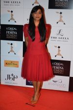 at Loreal Paris Women Awards in Mumbai on 27th March 2014 (67)_5335b6d5a5d55.JPG