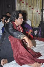 Talat Aziz at Music Mania