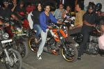Varun Dhawan takes Ekta Kapoor for a bike ride to promote Main Tera Hero in Goregaon, Mumbai on 31st March 2014 (32)_533aa55d327e3.JPG