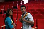 Varun Dhawan and Ileana D Cruz in Main Tera Hero_533febad8c448.jpg