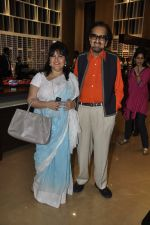 Alyque Padamsee, Raell Padamsee at Nawaz Modi Singhania_s art exhibition in Warden Road, Mumbai on 5th April 2014 (114)_53435a461ed6e.JPG