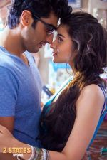 Arjun Kapoor and Alia Bhatt in 2 States_534be7a58818f.jpg