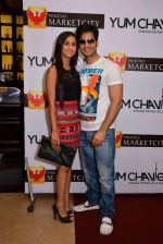Crystal Dsouza and Karan Thacker at Phoenix Market City easter party in Mumbai on 14th April 2014_534d08dfcf348.jpg
