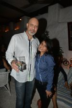 Loy Mendonsa at Siddharth Mahadevan_s bash in Olive, Mumbai on 16th April 2014 (44)_534f58ef30932.JPG