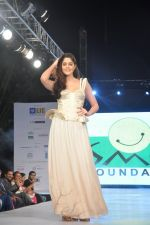 Izabelle Liete walks for Sonakshi Raaj at Save Girl Child show in ITC Parel, Mumbai on 19th April 2014 (291)_535398fd69c06.JPG
