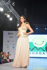 Izabelle Liete walks for Sonakshi Raaj at Save Girl Child show in ITC Parel, Mumbai on 19th April 2014 (292)_53539901b1936.JPG