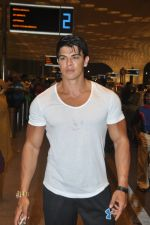 Sahil Khan leave for IIFA Tampa on day 1 in Mumbai on 21st April 2014 (102)_53560f4788ba1.JPG