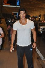 Sahil Khan leave for IIFA Tampa on day 1 in Mumbai on 21st April 2014 (100)_53560f3b8a36b.JPG