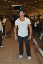 Sahil Khan leave for IIFA Tampa on day 1 in Mumbai on 21st April 2014 (104)_53560f549256f.JPG