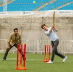 Samir Kochhar with Andrew Garfield playing cricket for the special episode of  Sony MAX Extraaa Innings_5355f69a260dc.jpg