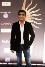 Kishan Kumar at IIFA ROCKS Green Carpet in Tampa Convention Center on 24th April 2014 (1)_535c01fd886a9.jpg