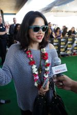 Sameera Reddy arrives at Tampa International Airpot on 25th April 2014 for IIFA (1)_535c06b5ae744.jpg