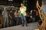 Shoaib Akhtar at the launch of Signature Collection of Earth 21 in Kurla Phoenix on 26th April 2014 (88)_535df289138c4.JPG