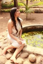 Anjana B in a wet white sari for Hollywood film Love & Passion  (9)_5360d073adbb3.JPG